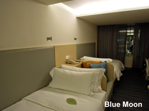 Review just sleep hotel ximending taiwan blue moon for Design ximen hotel review