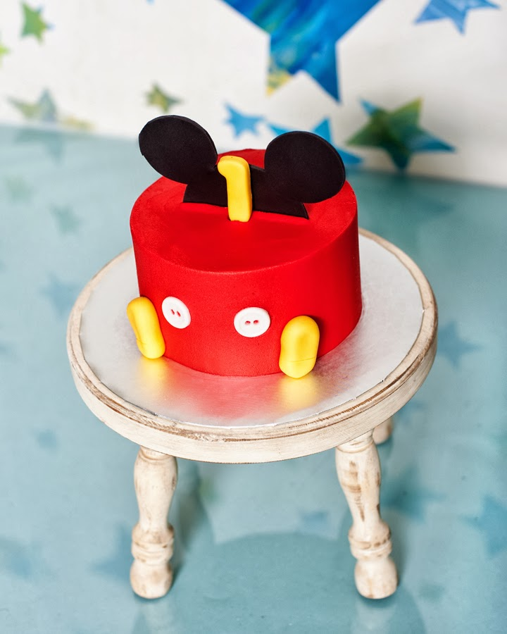 Mickey Mouse Smash Cake: BecKaL's Photography: Mickey Mouse 1yr Cake Smash