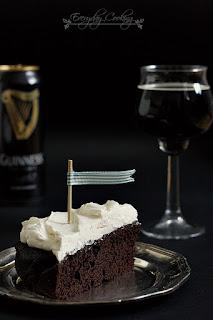 http://www.greencooking.pl/2012/11/ciasto-czekoladowe-na-guinnessie.html