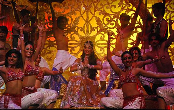 Flashmob de Bollywood en el paseo del Prado