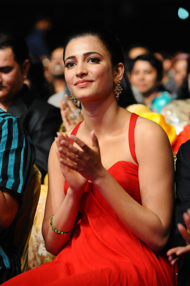 Shruti Haasan Latest Hot Red Dress Photos