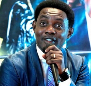comedian ay 9 years degree delsu