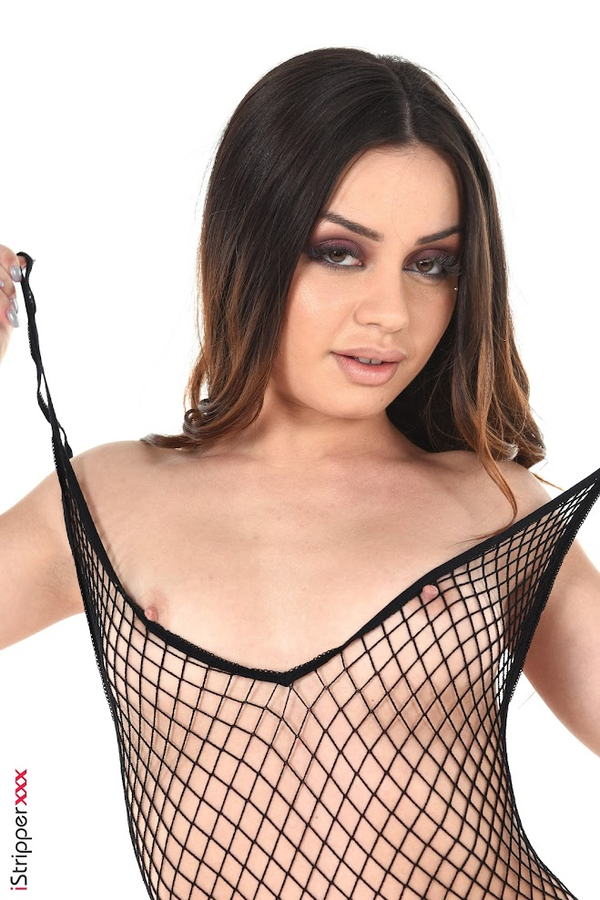 [iStripper] Martina Smeraldi - Sex In The Net - Girlsdelta
