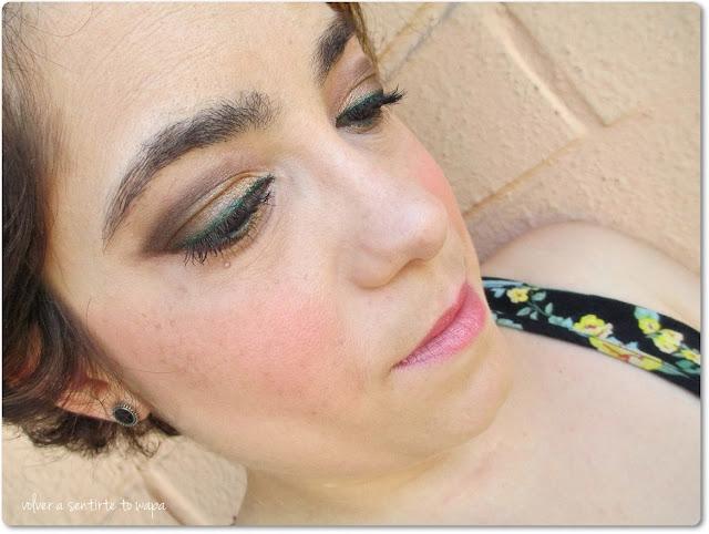 Maquillaje con The Nudes Palette: dorado y verde