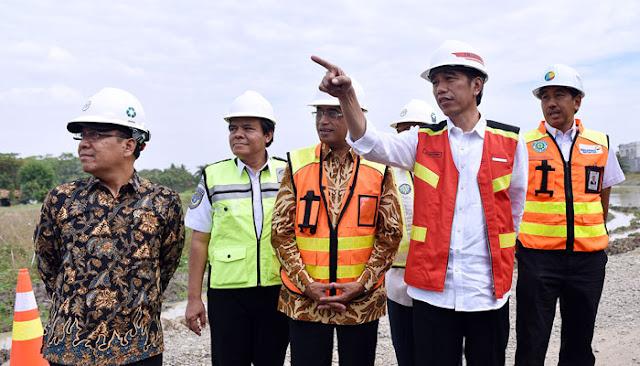 Saat Wartawan Berikan Kejutan Pada Ulang Tahun Jokowi