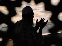 Doa Sholat Hajat Versi Situs Islami