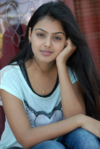 Monal Gajjar Lovely Photos in Jeans