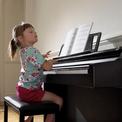 dan piano dien co ben khong
