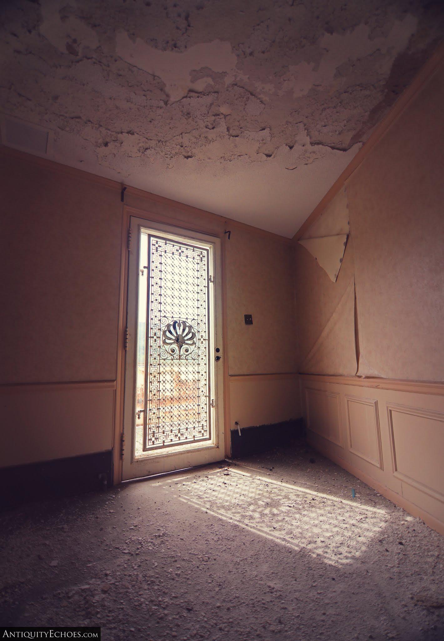 Nevele Grande - Ornate Balcony Door