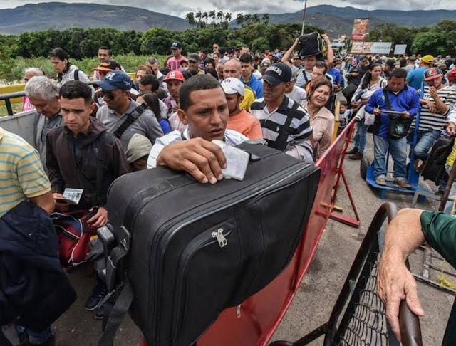 Refugiados, acicate para la presión