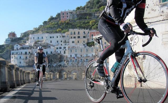 Passeio de bicicleta em Amalfi