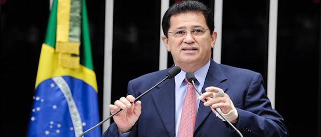 Deputado Alfredo Nascimento propõe lei para regulamentar a profissão de Analista de Sistemas.
