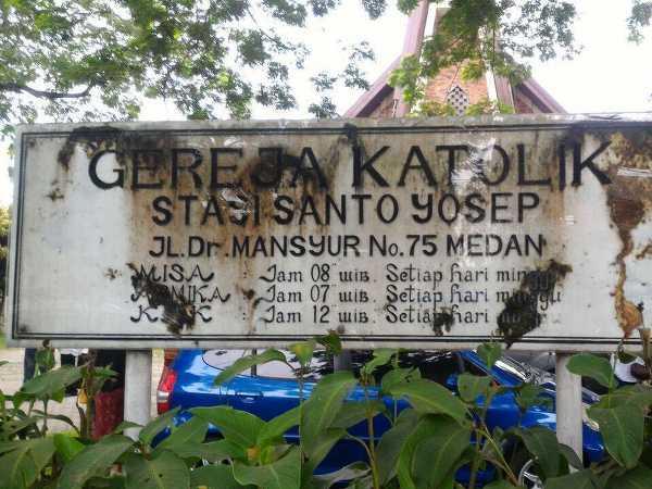 Bom Bunuh Diri Di Gereja Santo Yosef Medan