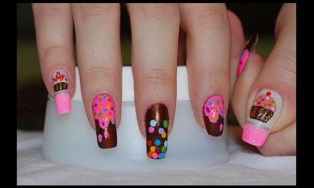 Uñas decoradas con dulces y memes de facebook, imagenes divertidas de uñas