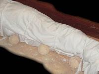 Alasan Tali Pocong Jenazah Harus Dilepas Sebelum Menguburkan, Ini Yang Terjadi Jika Tidak