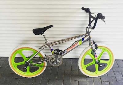 descriptive text tentang sepeda BMX