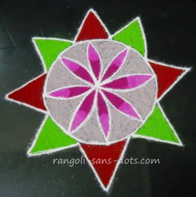 kolam-design-with-lines-circles.jpg