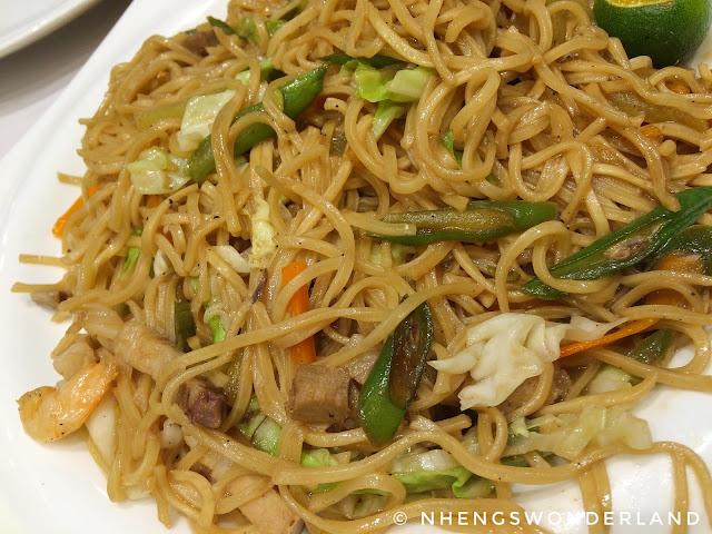 Kuya J Restaurant - Pancit Canton