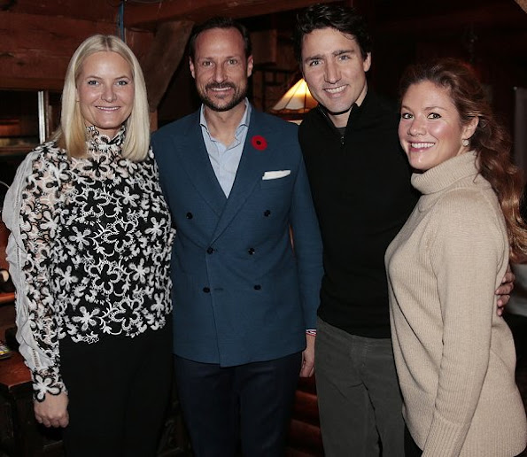 Prince Haakon, Princess Mette-Marit, Prime Minister Justin Trudeau, Sophie Gregorie Trudeau at L'Oree du Bois in Chelsea, Matte Marit wore Valentino print top
