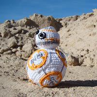 http://gateandocrochet.blogspot.com.es/2016/07/droide-bb-8-amigurumi-star-wars.html