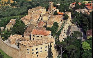 Castello di Montegridolfo foto