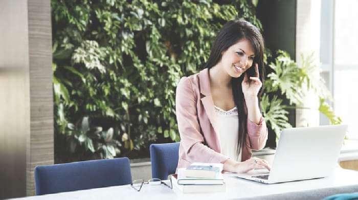 Jenis-Jenis Pakaian yang Harus Dimiliki Wanita Karier