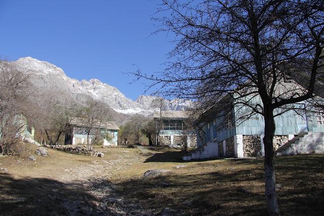 Kirghizistan, Arslanbob, Tirbaza, © L. Gigout, 2012