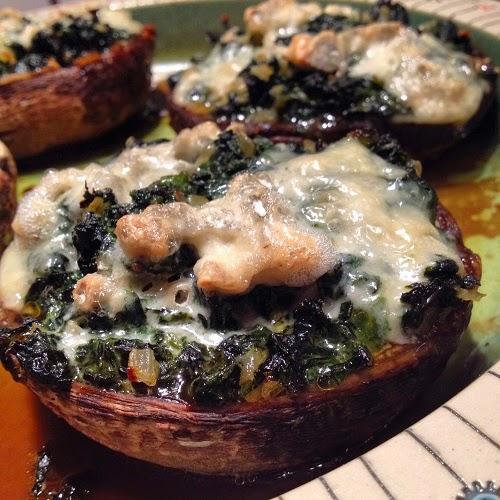 gefüllte Portobello-Champignons aus dem Backofen mit Spinat und Gorgonzola nach Jamie OIiver