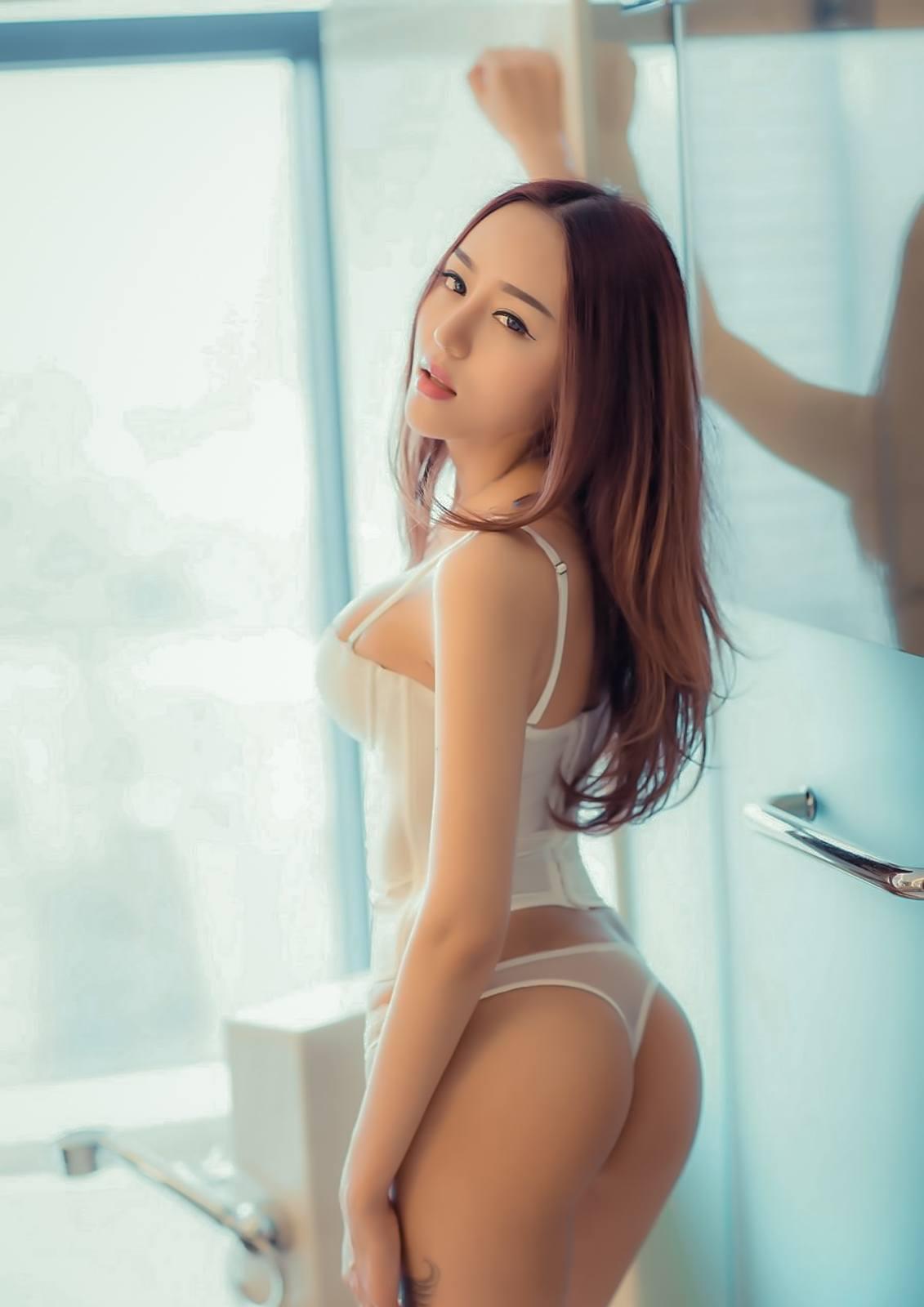 Mi%2BYeon%2BLee%2B%25E6%259D%258E%25E7%25BE%258E%25E5%25A6%258D%2B %2BBubbles Covered%2BNude%2BOutdoors%2B %2B010 - Korean Nude - Big Albom Remain #A-korean girl