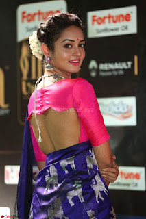 Shanvi Looks Super Cute in Pink Backless Choli Blue Saree at IIFA Utsavam Awards 2017 37.JPG