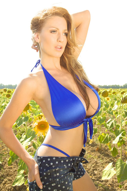 Jordan-Carver-Girasole-hot-and-sexy-hd-picture-of-photoshoot_3