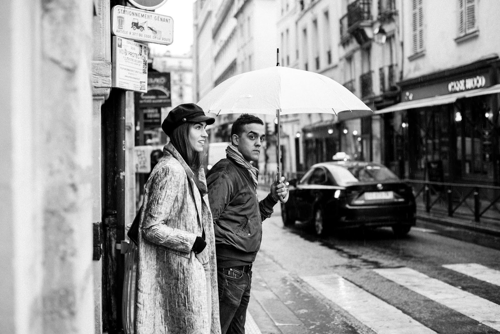 rainy paris couple photography