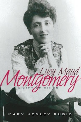 Lucy Maud Montgomery: The Gift of Wings by Mary Henley Rubio | Two Hectobooks