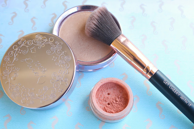 MOTD Brushes Get Cheeky With It Blush Brush