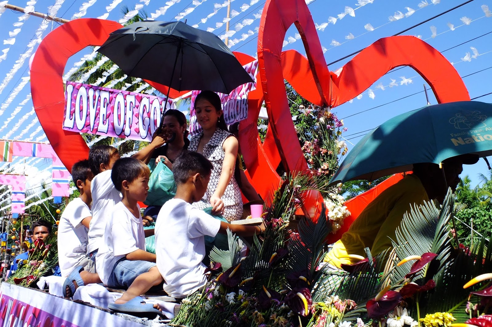 Barangay fiesta 2014 calaba san isidro nueva ecija philippines there were also exciting programs on the second day where organizers invites local artist and here are the pictures adventure nueva ecija stopboris Images