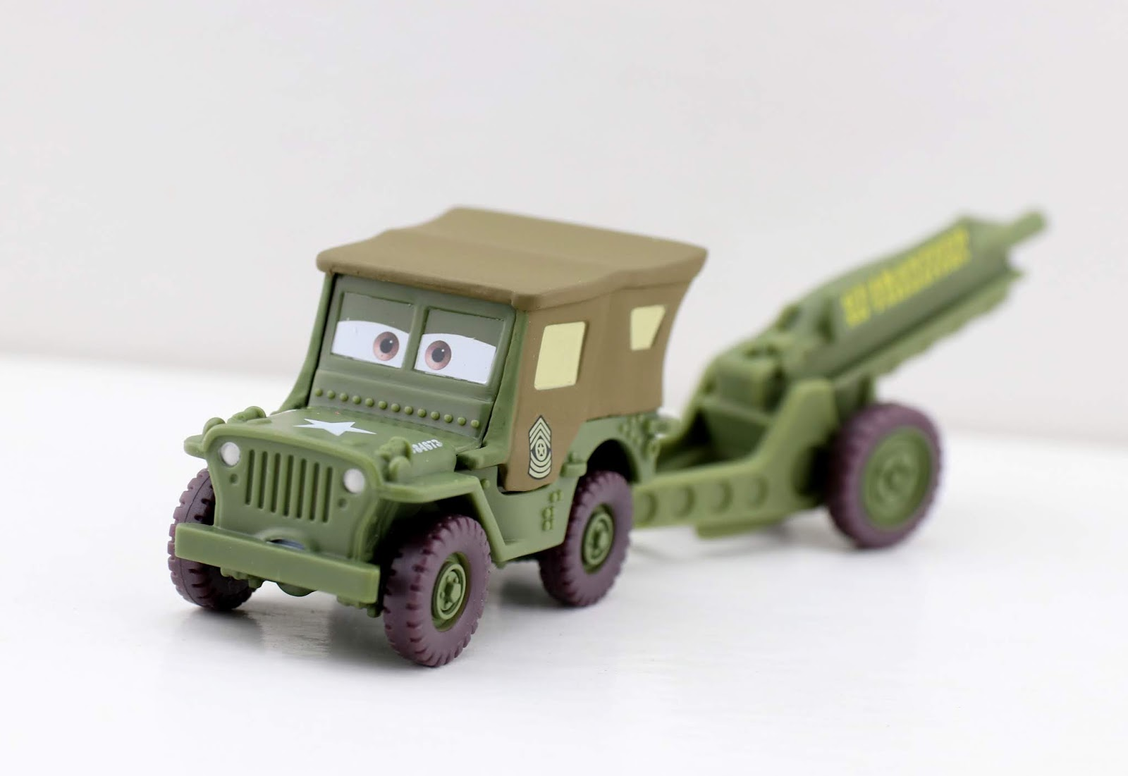 Cars mattel Sarge with Cannon