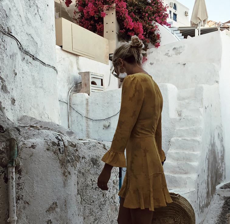 heleneisfor, realisation par yellow dress, Rare Atlantic Moroccan straw bag, Madewell Grecian sandals, santorini, Greece