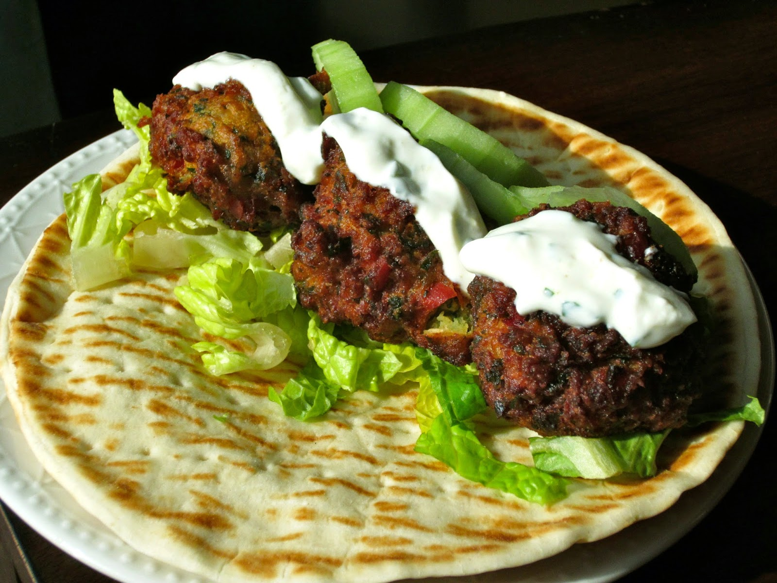 Falafel Pita Sandwich with Yogurt Sauce