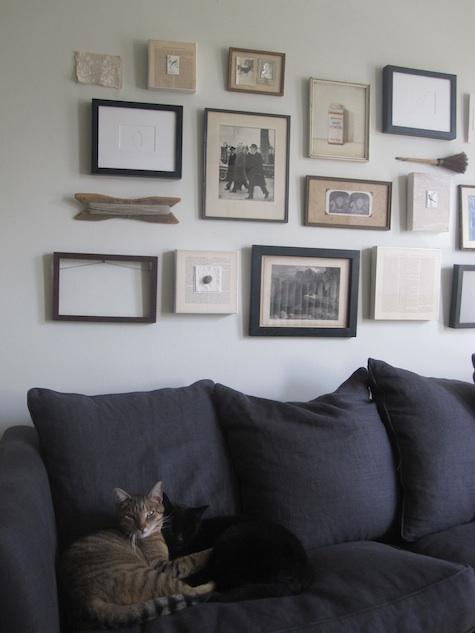 Alicia y la composici n de cuadros en la pared ministry - Composicion salon ikea ...