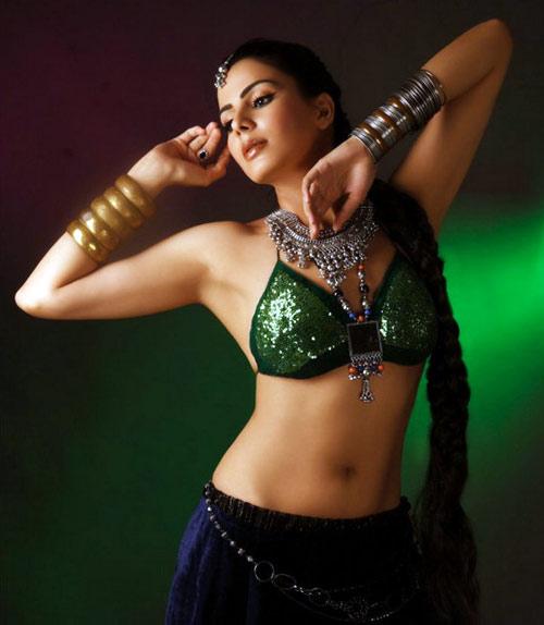 Kirti Kulhari Wiki, Profile and Photos