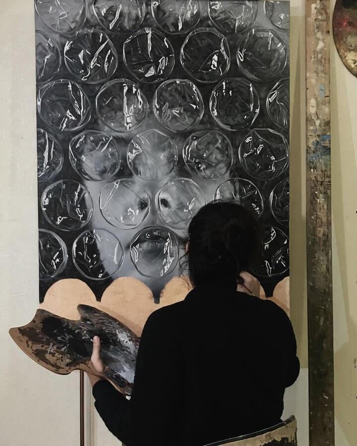 02-Black-and-white-Darian-Mederos-Bubble-Wrap-www-designstack-co