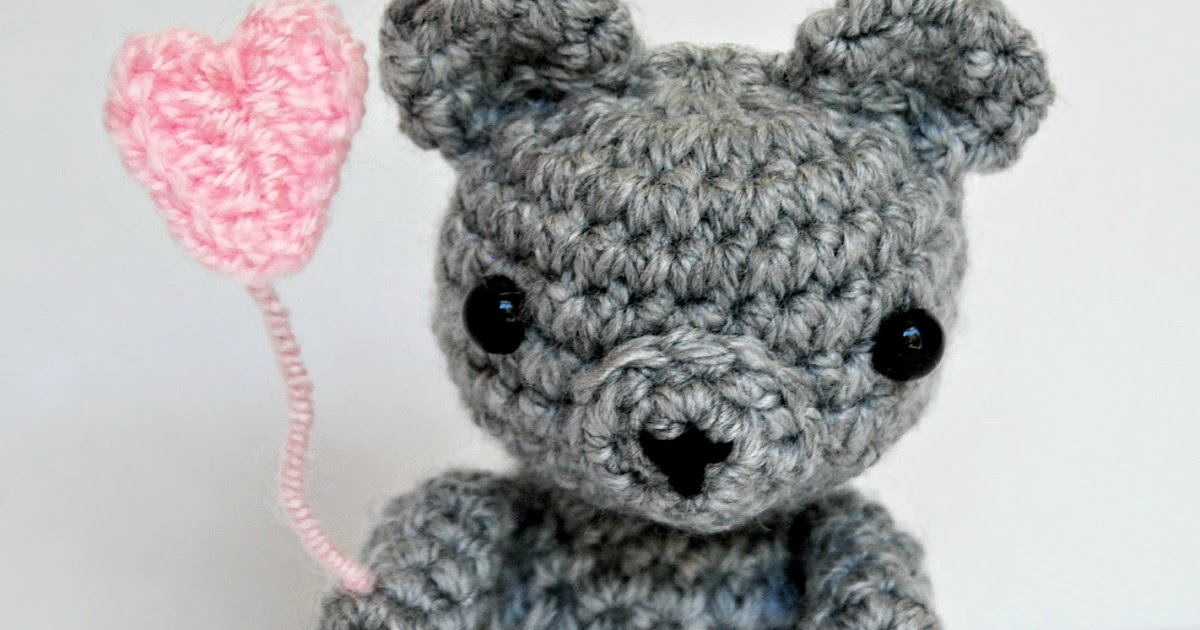 Free Crochet Pattern for a Tiny Teddy - Baby Bear Heart (Free ...