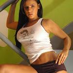 Andrea Rincon – Selena Spice – Sexy Top Blanco y Tanga Negra Foto 30