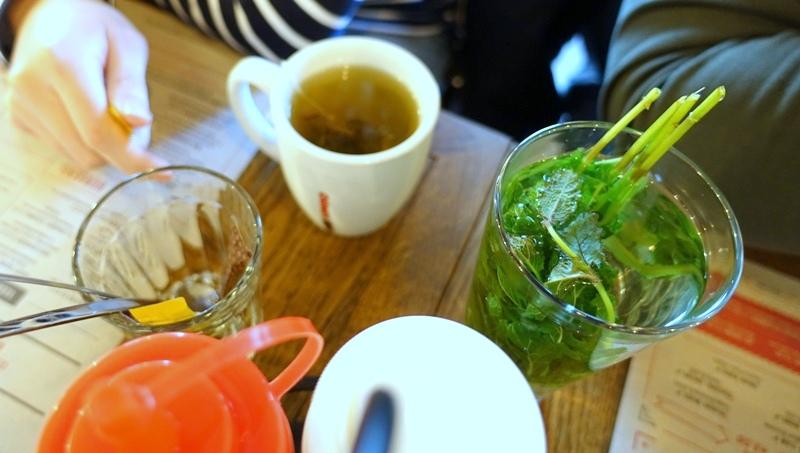 Jamie's Diner Rotterdam hot drinks green tea mint tea