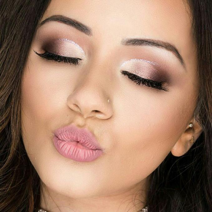 10 maquiagens com glitter para festas de fim de ano