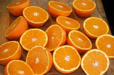 البرتقال مصدر جيد لڨيتامين ج