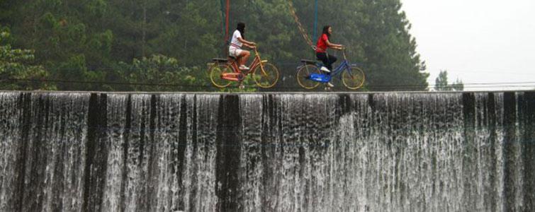 sepeda layang atau fly bike oyot coban talun