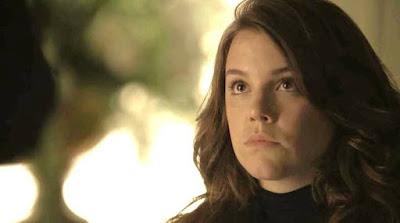 Em 'Órfãos da Terra', Soraia se surpreende com crueldade de Dalila (Alice Wegmann) — Foto: TV GLOBO