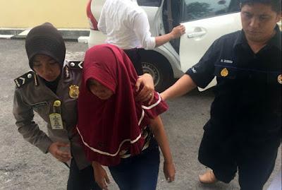 Hina Polisi di Media Sosial Facebook, Janda Muda asal Pajarakan Ini Diciduk Polisi