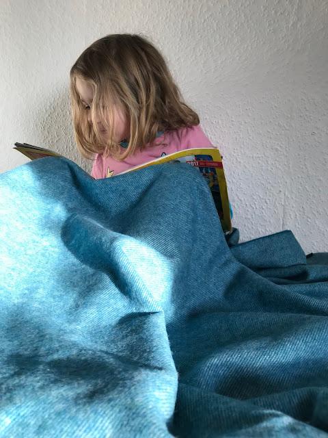 Ein Zimmer für ein Schulkind - Lesen unter der Kuscheldecke